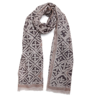 Friendy-hunting-eyes-of-marrakesh-cashmere-scarf-neutrals-loop
