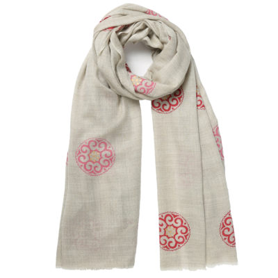 Beshlie-cashmere-beige-and-pink-scarf-mandala-loop
