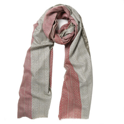 Beshlie-cashmere-scarf-red-and-grey-maasi-loop